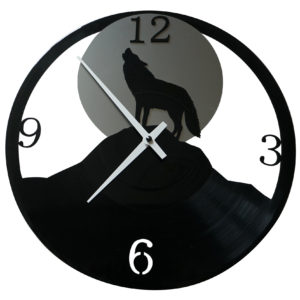 Wolf-Uhr aus Vinyl